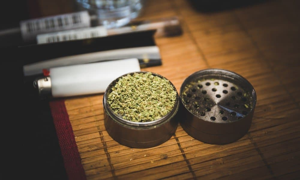 Dry Herb Grinders - The Ultimate Guide To Buying Your New Weed ...