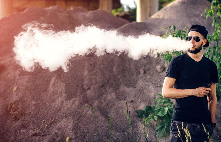 Vaping VS Smoking Weed – 10 Reasons Why Vaping Wins Hands Down